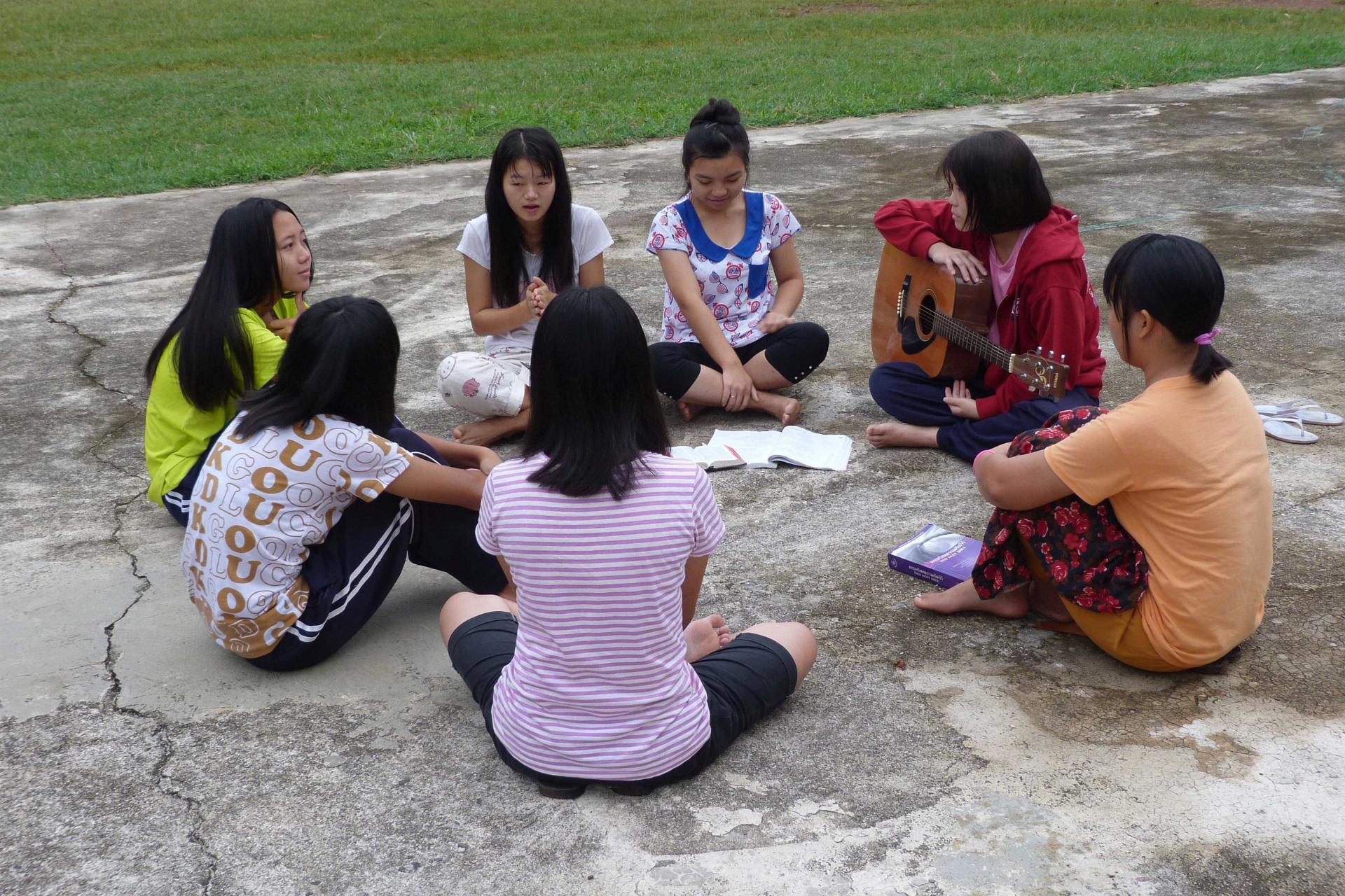 nehemia – GIRLS SONG